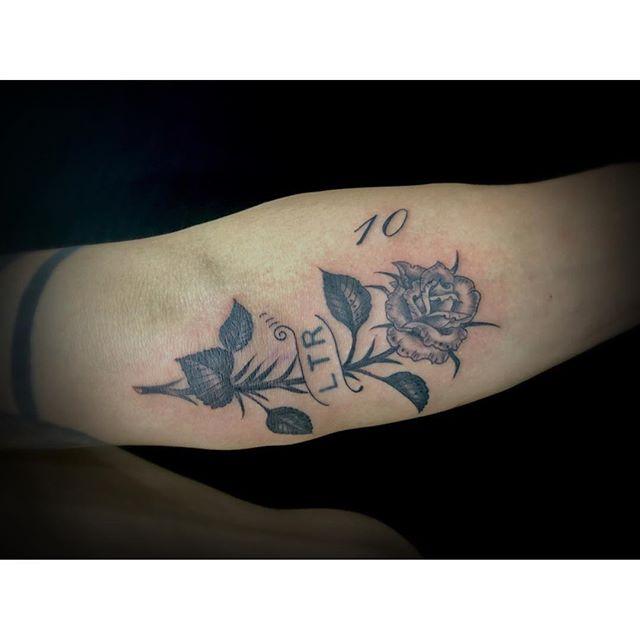 #バラ #rose ...#tattoo #reikotattoo #studiokeen #japan #nagoyatattoo #tokyotattoo #irezumi #タトゥー #刺青 #名古屋 #大須 #矢場町 #東京