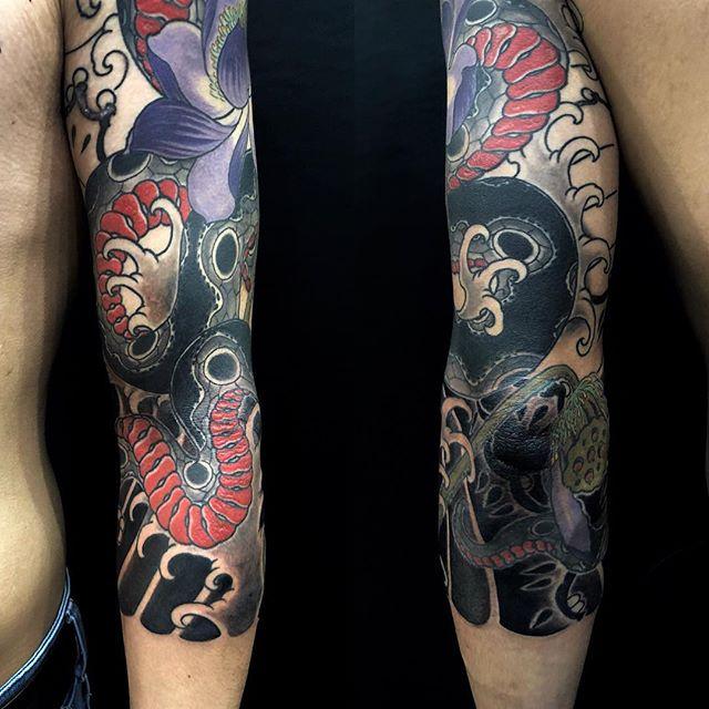 #progress #snake #lotus #蛇 #蓮 ...#tattoo #reikotattoo #studiokeen #japan #nagoyatattoo #tokyotattoo #irezumi #タトゥー #刺青 #名古屋 #大須 #矢場町 #東京
