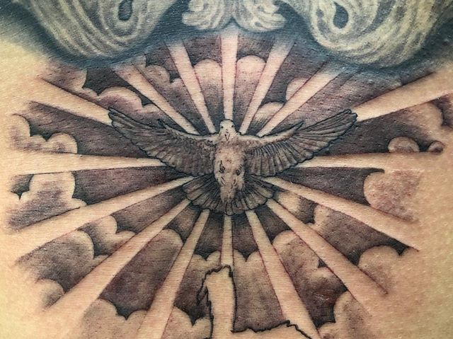 #鳩 #pigeontattoo ...#tattoo #reikotattoo #studiokeen #japan #nagoyatattoo #tokyotattoo #irezumi #タトゥー #刺青 #名古屋 #大須 #矢場町 #東京