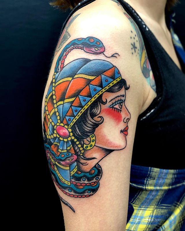 #スカーフを巻いた女の人 #トラディショナルタトゥー ...#tattoo #reikotattoo #studiokeen #japan #nagoyatattoo #tokyotattoo #irezumi #タトゥー #刺青 #名古屋 #大須 #矢場町 #東京